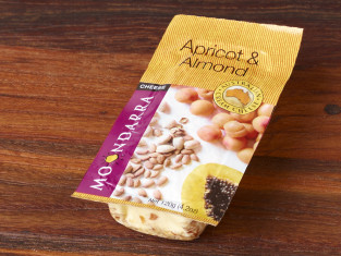 MOO_Apricot-Almonds-120g